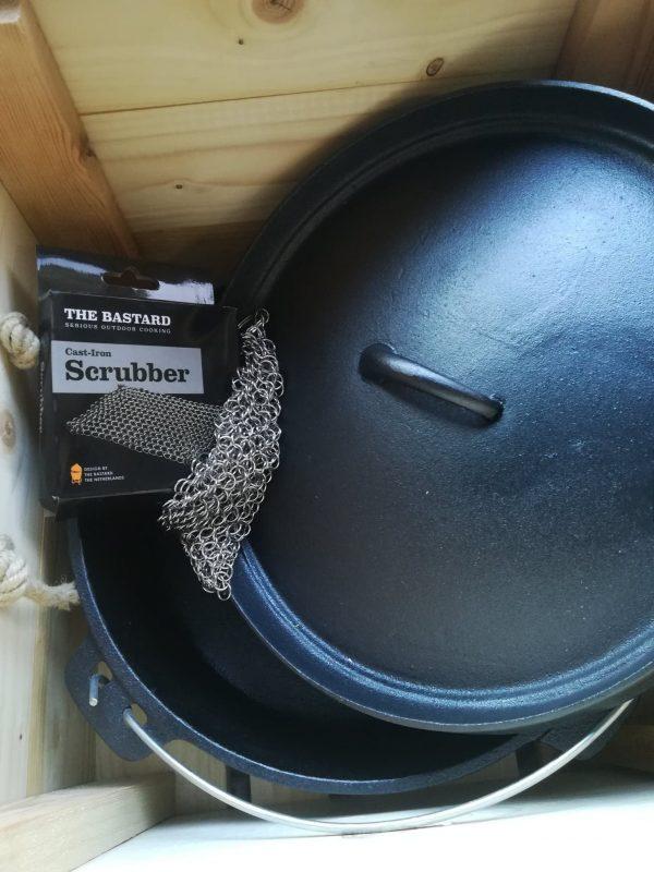 BBQ box dutch oven